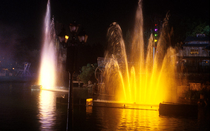 Fantasmic Water Feature